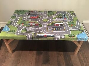 Toy play table for kids