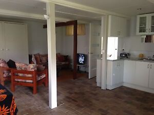 Light bright and freshly painted semi rural studio & large bdrm Kyogle Kyogle Area Preview
