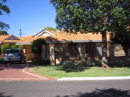 Two Single rooms available Dianella