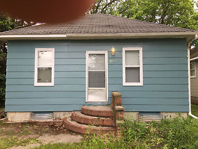 Real Estate 2 Bedroom House Full Basement
