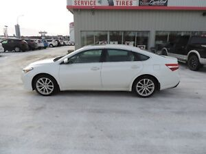2014 Toyota Avalon Limited Local One Owner,Leather,Heated/Coo...