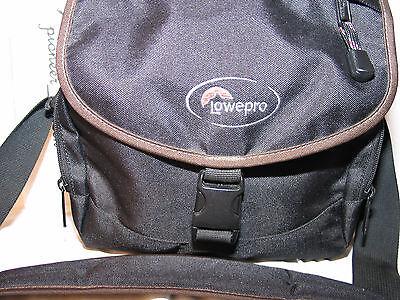 Кейсы, сумки LOWEPRO model Nova 2