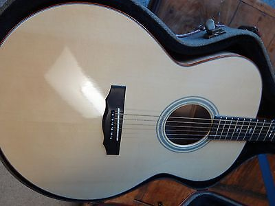 Guild Jumbo Acoustic Guitar GAD-JF30 w/ Dlx Hard Case on Rummage