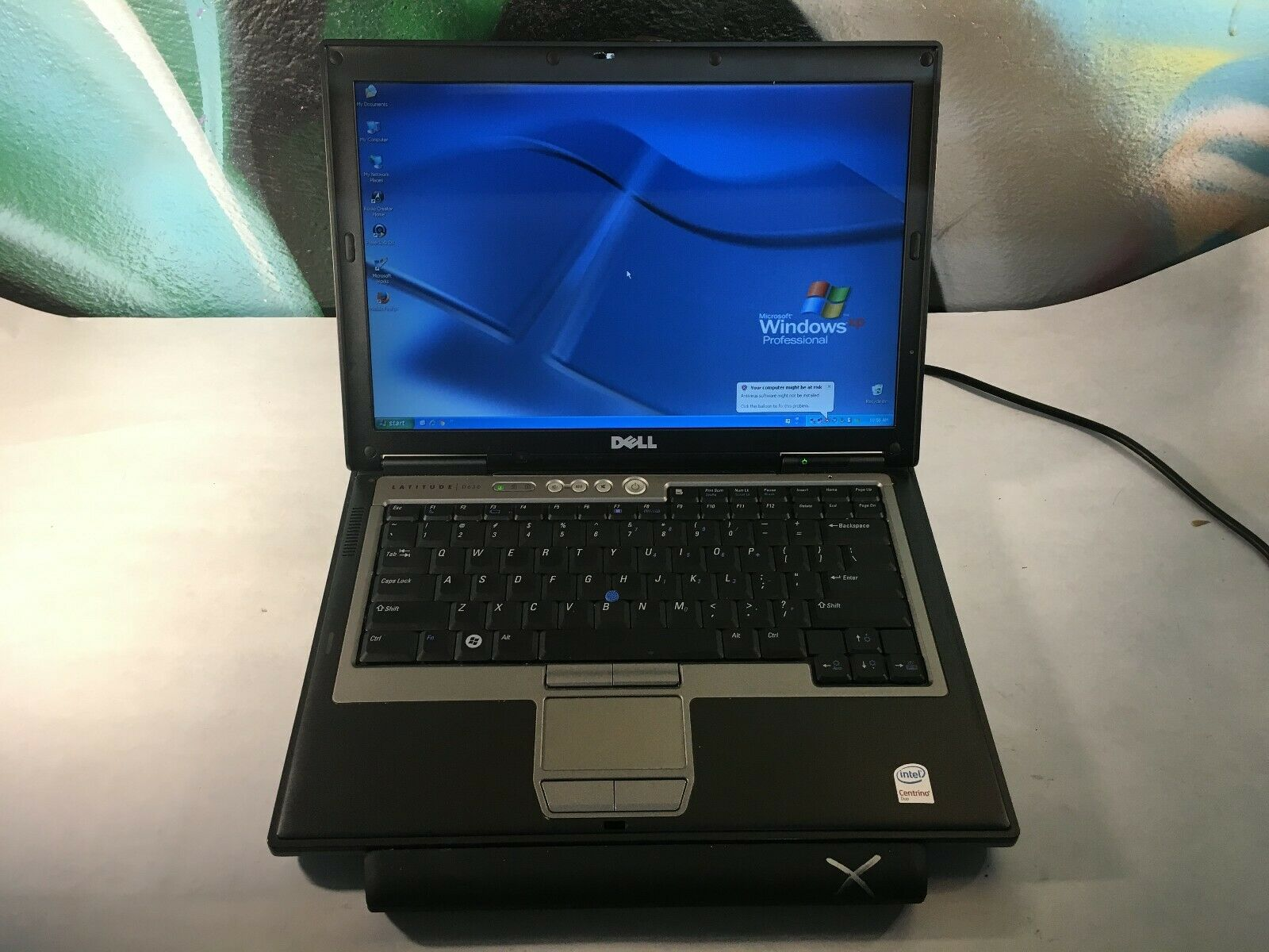 Laptop Windows - Dell D620 Laptop / 80GB / 2GB / Windows XP Pro SP3 / SERIAL RS-232 PORT