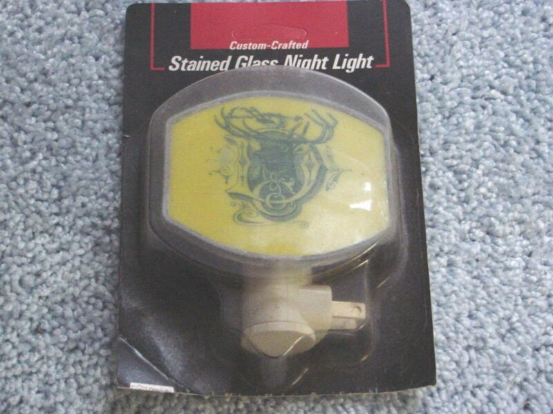 JOHN DEERE  TRACTOR STAINED GLASS NIGHT LIGHT