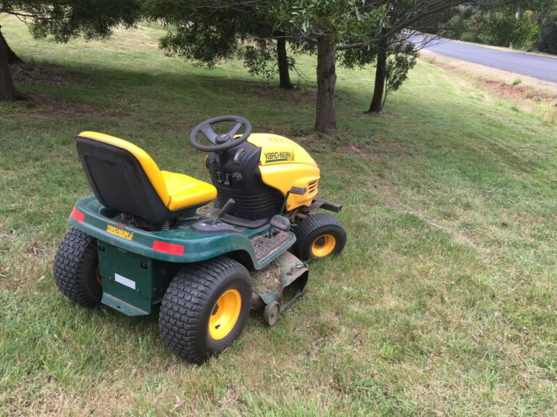 Lawn Mowing Grass Cut Weeds Sprayed Landscaping Gardening