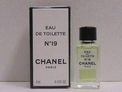 Chanel No. 19 by Chanel Perfume Women 0.13 oz Eau de Toilette Splash Mini