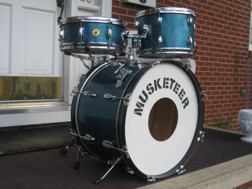 """Musketeer Vintage Drum set Kit ! Made in Japan. MIJ. """" Slingerland Copy """". Clean"""
