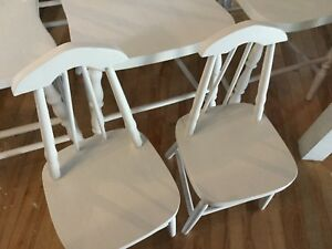 White kids dining table and 2 chairs