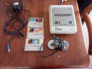 Super Nintendo Entertainment System with games Carnegie Glen Eira Area Preview