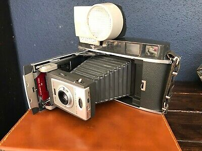 Vintage Polaroid Model 900 Electric Eye Land Camera w/case, flash &