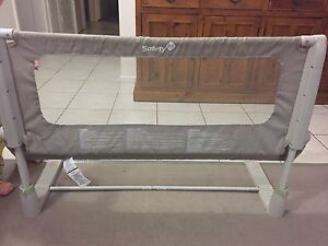 Safety 1st toddler bed rail / safety rail Brendale Pine Rivers Area Preview