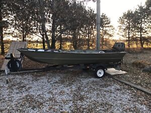 16 Foot Crestliner Duck Hunting Boat