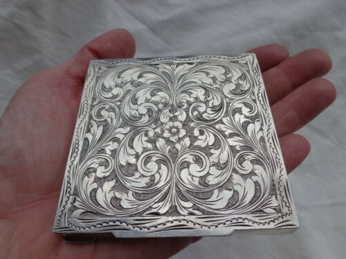 VINTAGE ORNATE HAND CHASED FLORAL SCROLLS ENGRAVED 800 SILVER COMPACT STUNNING