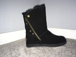 Brand new sheepskin boots for sale