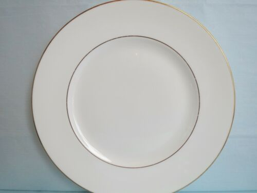 """Vintage WEDGEWOOD made in England Bone China REGAL GOLD DINNER PLATE 10 7/8"""""""