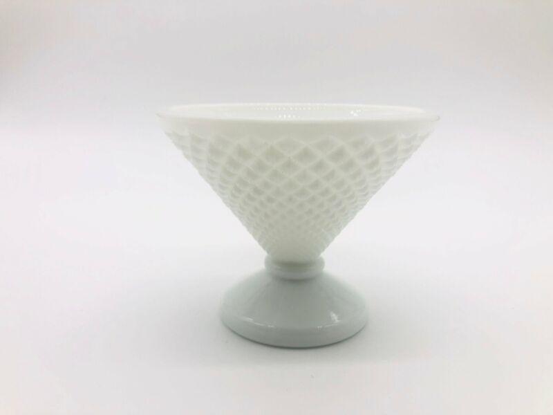 Beautiful Vintage Westmoreland Milk Glass English Hobnail Candy Dish