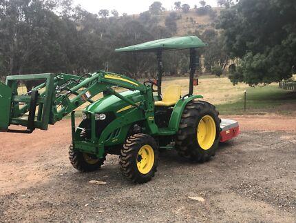 2014 John Deere 4105 Tractor
