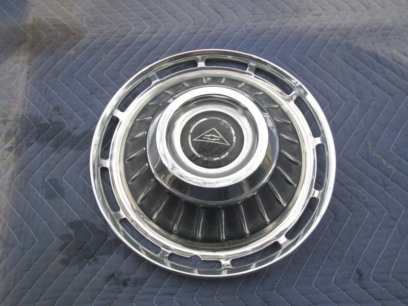 """Vintage 1963 CHEVY CORVAIR 13"""" HUBCAP HUB CAP Very Good Condition"""