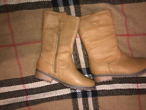 Girls size 7 boots Edwardstown Marion Area Preview