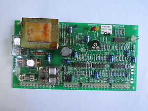 Riparazione-scheda-elettronica-caldaia-UNICAL-codice-scheda-Honeywell-W4115B