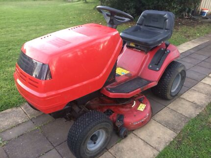 Ride on mower Berkshire Park Penrith Area Preview