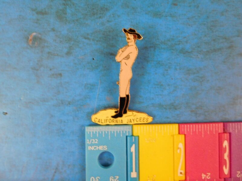 Jaycees California Nude male black hat and boots pin