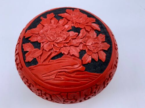 CINNABAR BOX RED & BLACK ROUND LOTUS FLOWERS FLORAL ASIAN CHINESE
