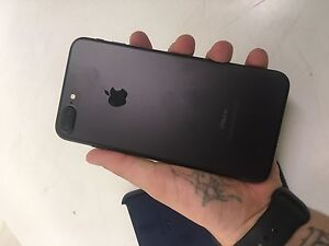 Iphone 7 plus 32gb +tempered glass+apple case