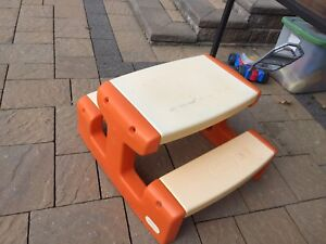 Used little tikes outdoor picnic bench/table