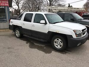 2003 Chevrolet Avalanche 4wd *Part Out*