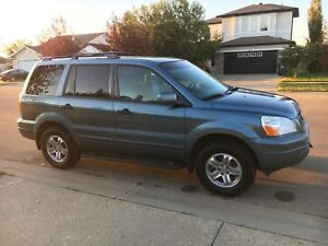 2005 AWD Honda Pilot- best value!