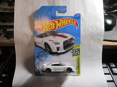 17 Nissan GT-R (R35) #137 White 10/10 Speed Graphics 2020 Hot Wheels Case G