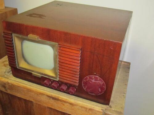 Vintage Raytheon Belmont Tabletop Tube TV Set