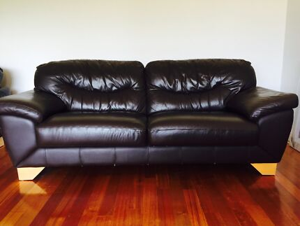 4 piece brown leather suite Sorrento Joondalup Area Preview