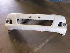 2013 hilux sr5 front bumper Windella Maitland Area Preview