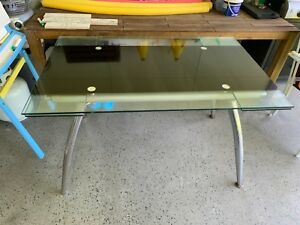FREE Dining table - glass