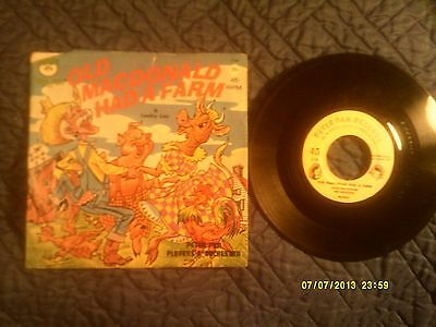 45 RPM - Old MacDonald Had a Farm & Looby Loo (Peter Pan Records)
