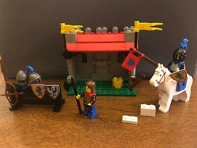 Lego Set 6041 Armor Shop Castle Vintage Complete w/extras + substitution