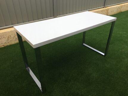 Gloss White Desk Stand Computer Desk