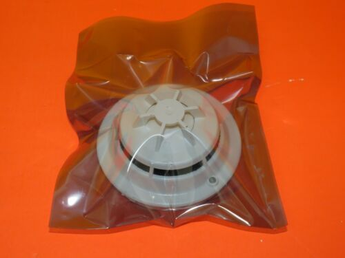 SIEMENS HFP-11 PHOTOELECTRIC DETECTOR FIRE ALARM FREE FEDEX 2-DAY 500-033290