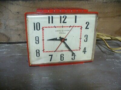 VINTAGE 1950s GE TELECHRON KITCHEN WALL CLOCK RED 2H10 Made In USA parts repair