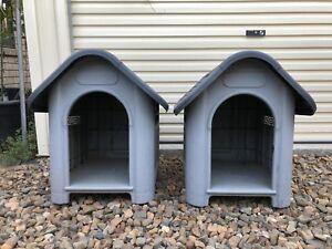 2 x Dog House / Kennel (small-medium)