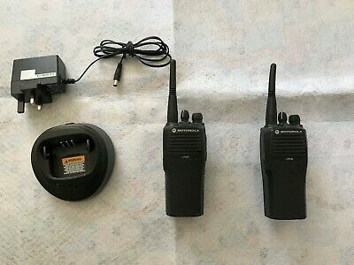 2x Motorola CP040 Commercial 2 Way Radio Walkie Talkie UHF -Charger FREE UK POST