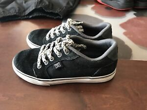 Soulier garcons dc shoes pointure 1
