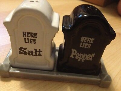 Set 3 TOMBSTONE SALT PEPPER HERE LIES Cemetery PLOT SHAKERS Halloween