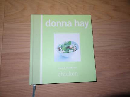 Donna Hay Chicken Cookbook (Hardback) Woongarrah Wyong Area Preview