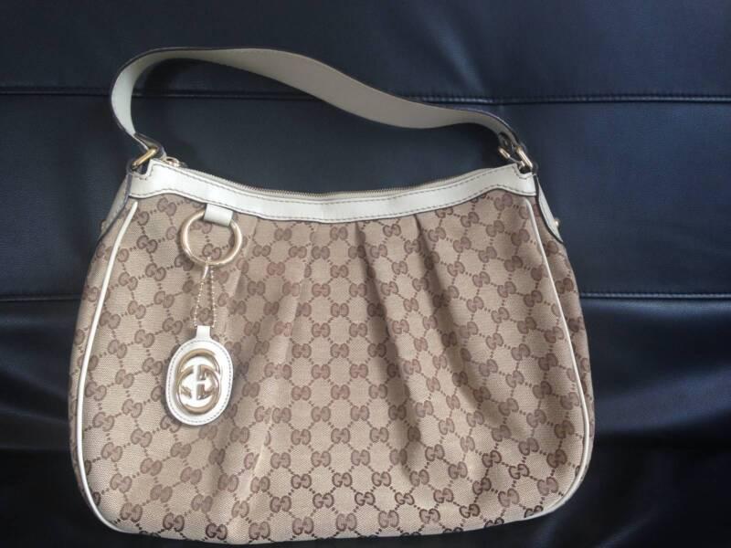 2e19ec26d5d7 Authentic Gucci Bag! Excellent condition!!