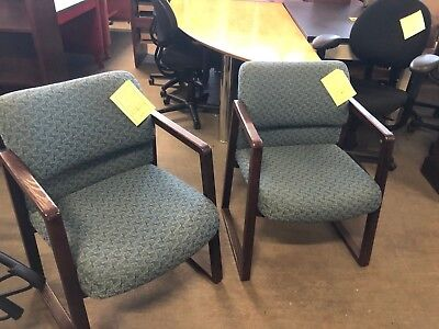 Lot of 2 Guest / Lobby / Side chairs w/ wood frame by Hon office Furniture  ()