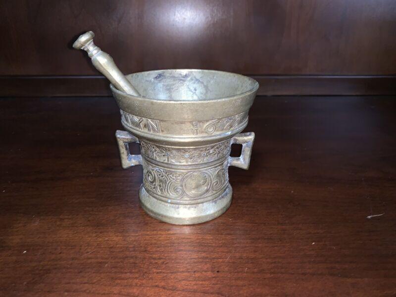 Large Antique Richard Startyn 1623 Mortar And Pestal